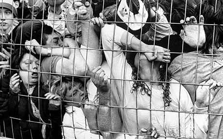 فاجعه ورزشگاه هیلزبورو در شفلید انگلیس