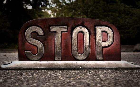 stop-stop-znak-preduprezhdenie
