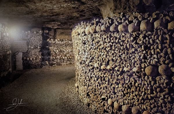 paris-catacombs__880