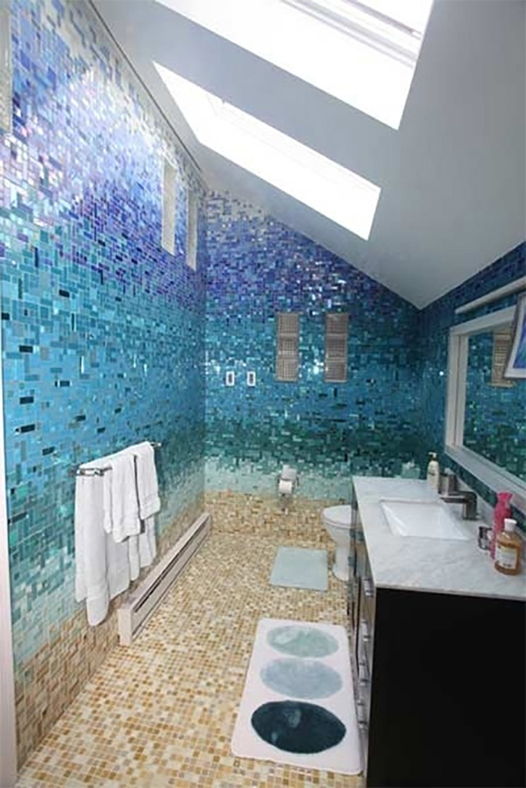 Beach-bathroom