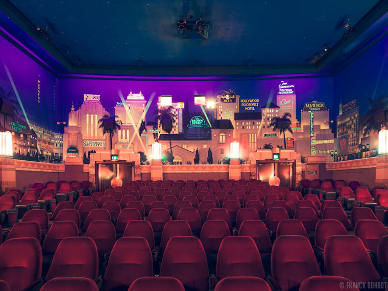cinemas-interior-the-crest-westwood__880
