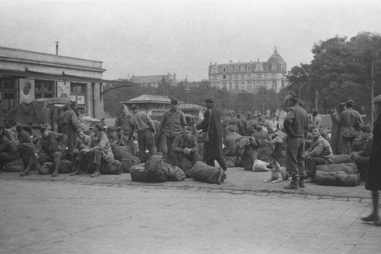 rescued-photo-film-project-world-war-2-soldier-levi-bettweiser-22