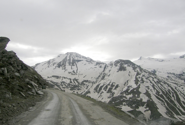 1.-Rohtang-Pass-India
