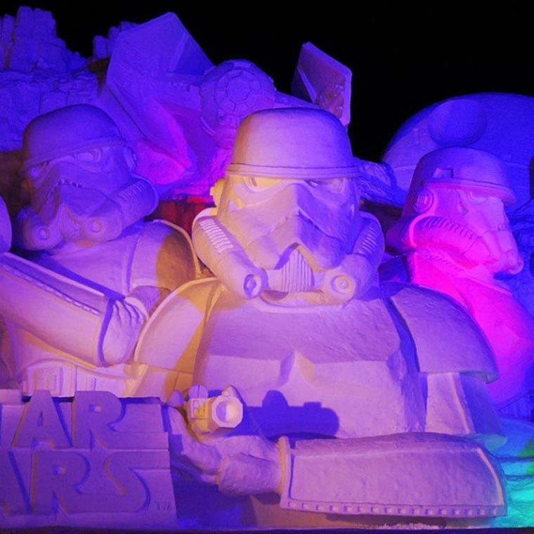 giant-star-wars-snow-sculpture-sapporo-festival-japan-21-605x605