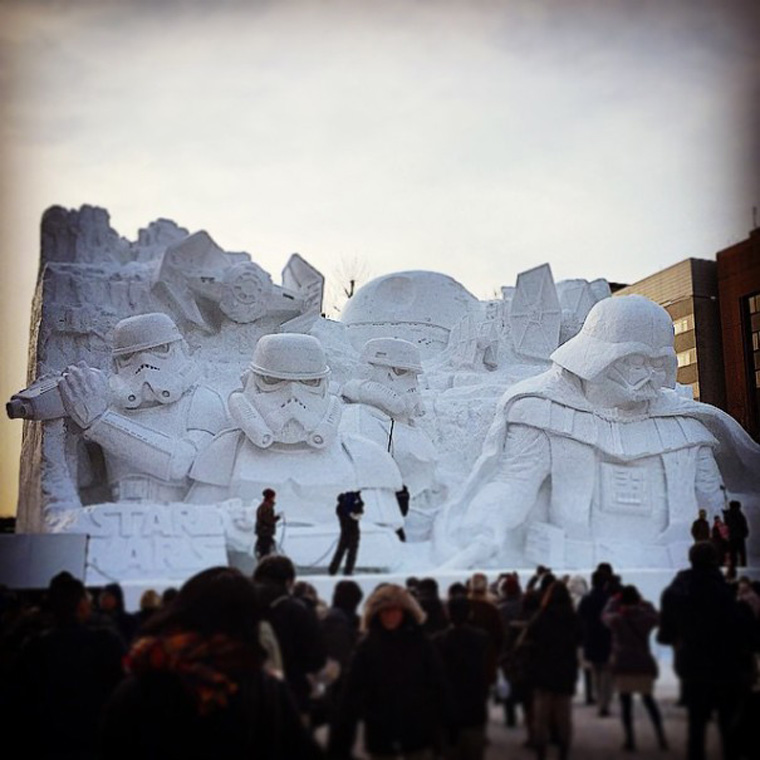 giant-star-wars-snow-sculpture-sapporo-festival-japan-22-605x605