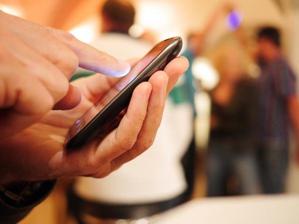 mobile-browsing-640x480