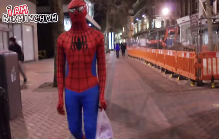 spider-man-helps-feeds-homeless-birmingham-uk-8