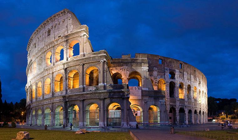 800px-Colosseum_in_Rome-April_2007-1-_copie_2B