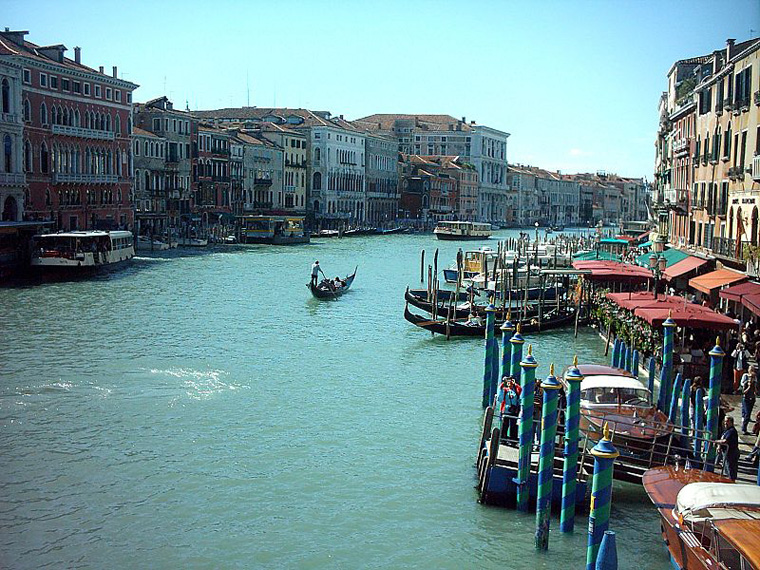 800px-Wenecja_Canal_Grande