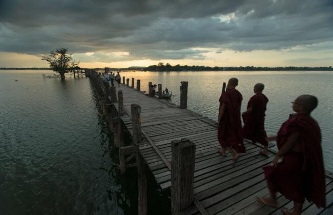 UBeinBridge-Amarapura-Myanmar__880