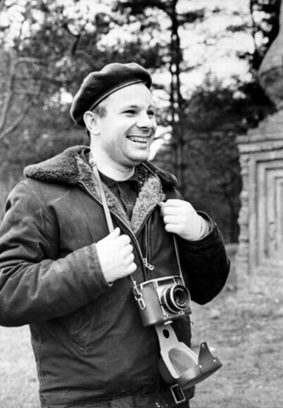 yuri-gagarin-in-the-1960s-6