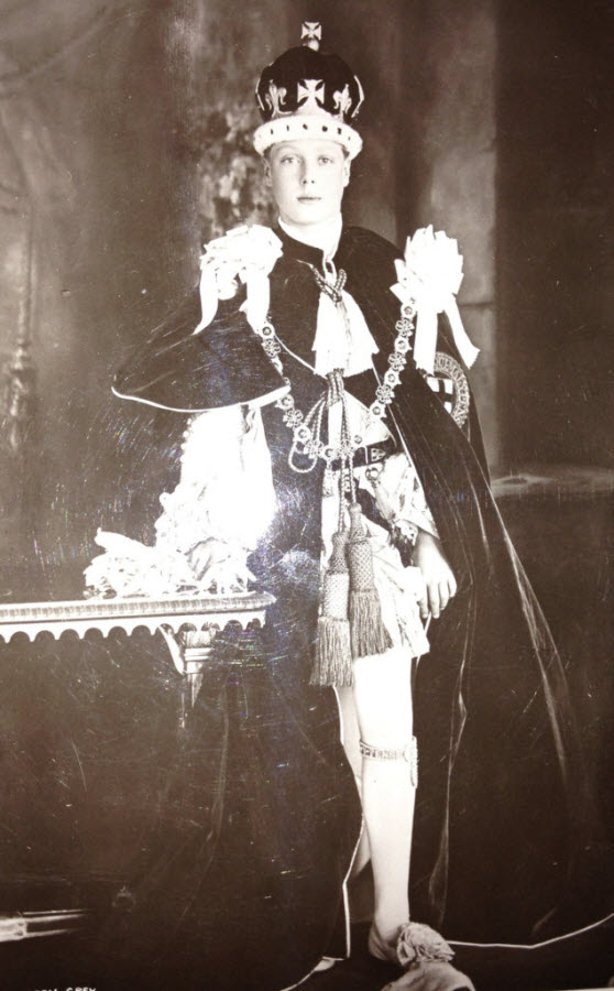 edward-viii-in-1910-at-his-fathers-coronation-635x1024